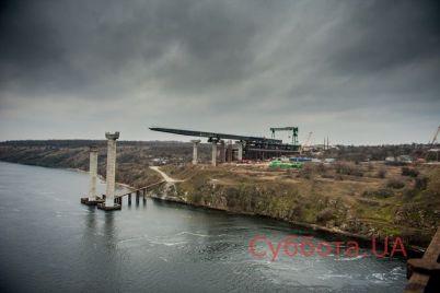 stalo-izvestno-kogda-vozobnovyat-stroitelstvo-mostov-v-zaporozhe-video.jpg