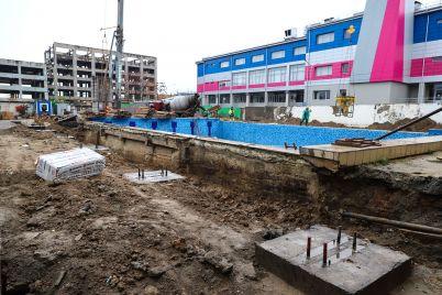 stoimost-rekonstrukczii-bassejna-shvsm-vozrosla-do-52-millionov-kak-strojka-vyglyadit-sejchas-foto.jpg