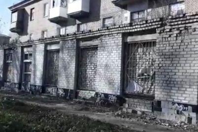 strashno-zhit-zaporozhczy-mogut-ostatsya-bez-zhilya-iz-za-razrushayushhejsya-pristrojki-video.jpg