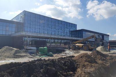 stroitelstvo-terminala-i-vspomogatelnyh-zdanij-zaporozhskogo-aeroporta-perevalilo-za-milliard-fotoreportazh.jpg