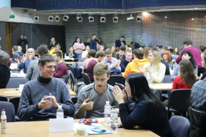 studenty-iz-zaporozhya-boryutsya-za-vozmozhnost-rabotat-v-prestizhnoj-kompanii-foto.jpg