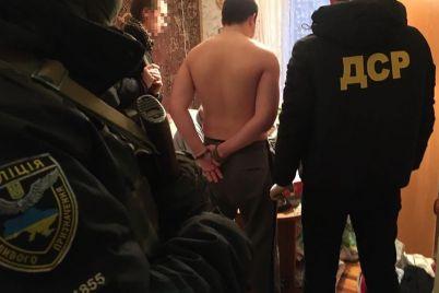 sud-arestoval-pyateryh-chlenov-opasnoj-zaporozhskoj-bandy.jpg