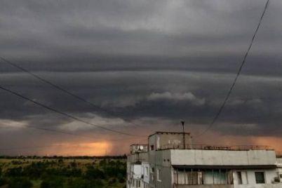 tisyachi-zaporizhcziv-zalishilisya-bez-elektroenergid197-cherez-negodu.jpg