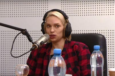 top-model-po-ukrainski-katya-kulichenko-uznala-pravdu-ob-otcze-v-21-lichnaya-istoriya-teti-moti.jpg