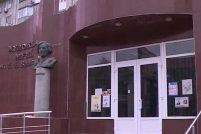 u-berdyanskomu-muzed197-vidkrilasya-nova-hudozhnya-vistavka.jpg