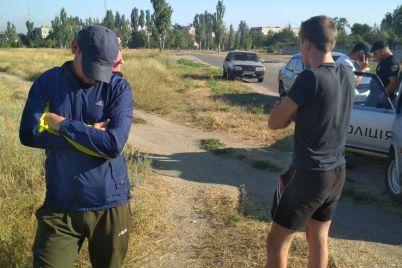 u-den-tishi-na-zaporizhzhi-slug-narodu-zatrimali-z-cziloyu-mashinoyu-chornuhi-video.jpg