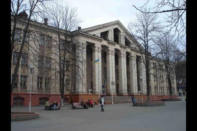 u-gurtozhitku-zaporizkogo-elektrotehnichnogo-koledzhu-vstanovili-gelioustanovku-dlya-garyachod197-vodi.jpg