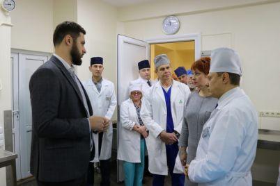 u-zaporizhzhi-deputati-vdruge-sprobuyut-vidstoroniti-vid-posadi-skandalnih-golovlikarya-i-zastupnika-mera.jpg