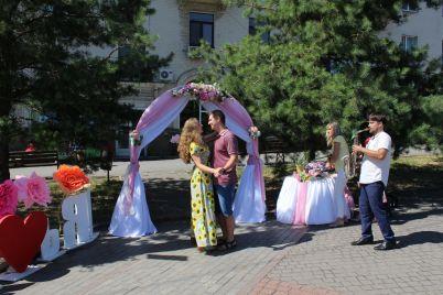 u-zaporizhzhi-molodyatam-vlashtuvali-svyato-na-chest-dnya-simd197.jpg