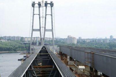 u-zaporizhzhi-nepovnolitnij-vpav-z-nedobudovanogo-mostu.jpg