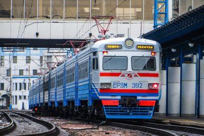 u-zaporizhzhi-okrim-richnogo-transportu-mozhut-pustiti-dodatkovi-elektrichki.jpg