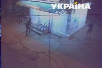 u-zaporizhzhi-pidpalili-kiosk-vlasniku-yakogo-naperedodni-pogrozhuvali.png