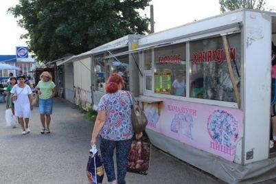 u-zaporizhzhi-pidprid194mczyam-dali-chas-abi-voni-samostijno-pribrali-nezakonni-kioski-foto.jpg