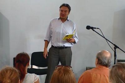 u-zaporizhzhi-poet-andrij-permyakov-prezentuvav-zbirku-lyubov-rok-n-rol-ta-vi.jpg