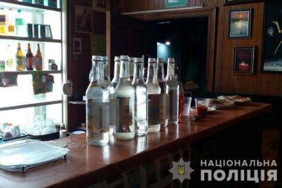 u-zaporizhzhi-pravoohoronczi-projshlisya-po-zakladah-de-prodayut-alkogol-foto.jpg