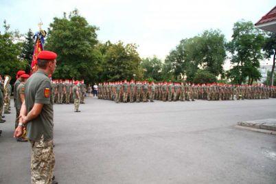 u-zaporizhzhi-privitali-ta-nagorodili-artileristiv.jpg