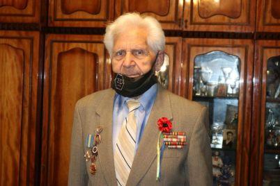 u-zaporizhzhi-privitali-veterana-yakij-dvichi-ryatuvavsya-vid-smerti-foto.jpg