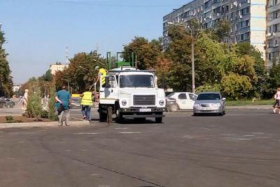u-zaporizhzhi-prodovzhud194tsya-blagoustrij-zelenih-zon-z-dopomogoyu-gidroposivu.jpg