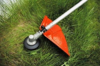 u-zaporizhzhi-rozpochalisya-roboti-z-pokosu-travi.jpg