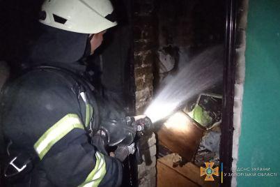 u-zaporizhzhi-stalasya-pozhezha-v-bagatopoverhivczi-evakuyuvali-35-meshkancziv.jpg