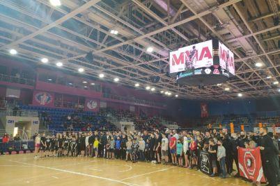 u-zaporizhzhi-vidbuvsya-chempionat-oblasti-zi-zmishanih-d194dinoborstv-mma-fotoreportazh.jpg