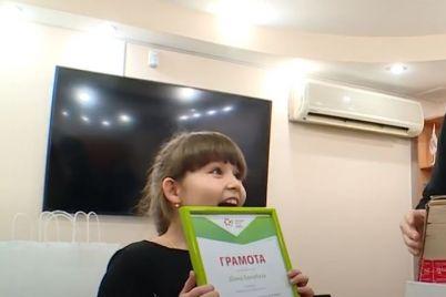 u-zaporizhzhi-vidbuvsya-dityachij-konkurs-malyunkiv-za-zberezhennya-vodnih-resursiv.jpg