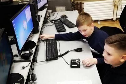 u-zaporizhzhi-vidkrilasya-shkola-radiozvyazku-ta-elektroniki.jpg