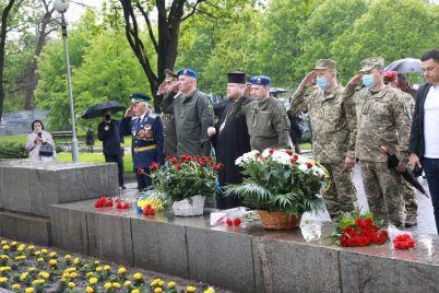 u-zaporizhzhi-zapalili-vogon-pamyati-na-aled197-bojovod197-slavi.jpg