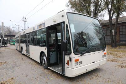u-zaporizhzhi-zyavivsya-novij-d194vropejskij-transport.jpg