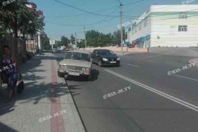 u-zaporizkij-oblasti-v-rezultati-zitknennya-avtomobil-zad197hav-na-trotuar-foto.jpg