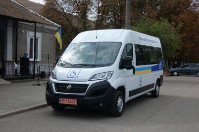 u-zaporizkij-oblasti-zyavivsya-pershij-avtomobil-dlya-perevezennya-osib-z-invalidnistyu.jpg