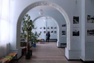 u-zaporizkomu-hudozhnomu-saloni-vidkrilasya-vistavka-lvivskod197-majstrini.jpg