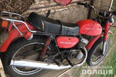 u-zhitelya-orehova-ukrali-motoczikl-policziya-podozrevaet-ranee-sudimogo-muzhchinu-iz-makeevki-fotofakt.jpg