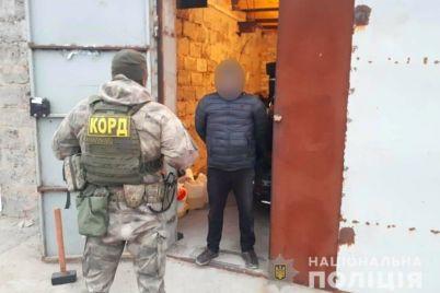 ugrozhali-ubit-k-zhitelnicze-zaporozhskoj-vorvalis-grabiteli.jpg