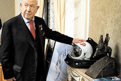 umer-aleksej-leonov-pervyj-chelovek-v-otkrytom-kosmose.jpg