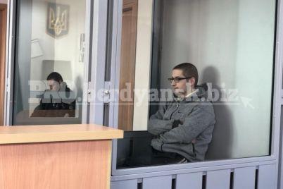 v-berdyanske-19-letnij-paren-izrezal-taksista-nasmert-kakoe-nakazanie-zhdet-ubijczu-1.jpg