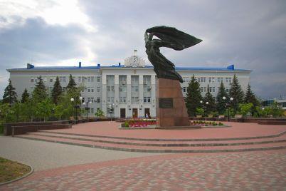 v-berdyansku-v-ramkah-dekomunizaczid197-perejmenuvali-monument.jpg