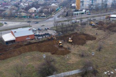 v-berdyansku-znovu-stalasya-avariya-na-kanalizaczijnomu-kolektori-podrobiczi.jpg
