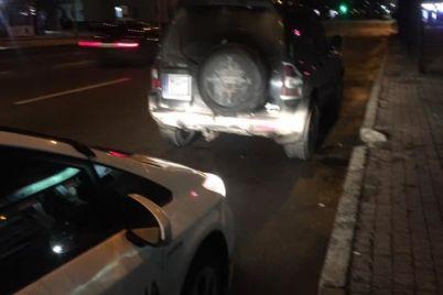 v-czentre-zaporozhya-patrulnye-ostanovili-avtomobil-s-vooruzhennymi-lyudmi.jpg