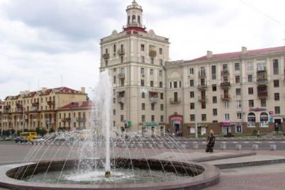 v-czentri-zaporizhzhya-nevidomi-vandali-poshkodili-fontan.jpg