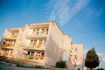 v-detskom-lagere-chto-na-populyarnom-kurorte-zaporozhskoj-oblasti-travmirovalsya-rebyonok-podrobnosti-proisshestviya.jpg