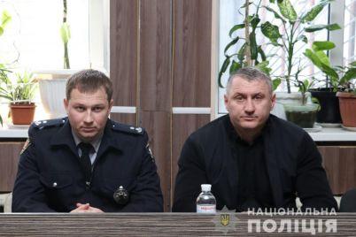 v-dvuh-otdeleniyah-policzii-zaporozhya-novye-nachalniki.jpg