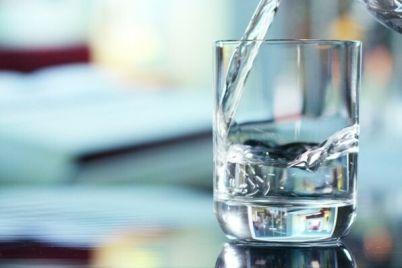 v-dvuh-rajonah-zaporozhskoj-oblasti-labczentr-nashel-otkloneniya-v-analizah-pitevoj-vody.jpg