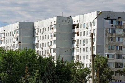 v-energodare-vypivshaya-15-letnyaya-devushka-vypala-iz-okna-kvartiry.jpg