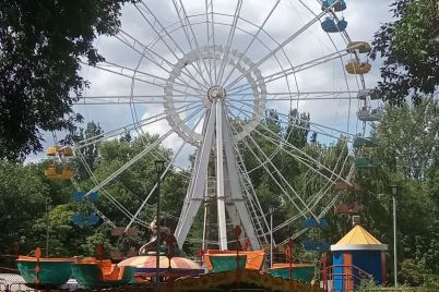 v-glavnom-parke-zaporozhya-spoet-uchastnik-populyarnogo-shou.jpg
