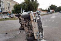 v-gorode-zaporozhskoj-oblasti-ot-udara-avtomobil-leg-na-bok-foto.jpg
