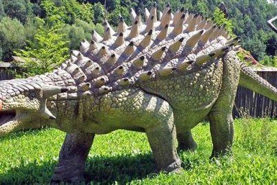 v-gosti-do-dinozavriv-zaporizkim-ditlaham-podaruvali-kvitki-u-park-atrakczioniv.jpg
