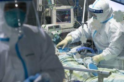 v-irane-svyashhennik-pytalsya-isczelit-bolnogo-koronavirusom.jpg