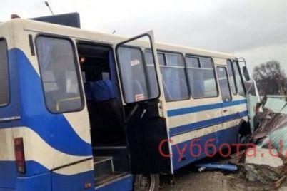 v-kamenskom-voditel-detskogo-avtobusa-umer-vo-vremya-ezdy-passazhiry-spasalis-kak-mogli-video.jpg