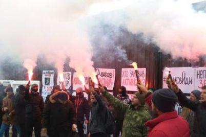 v-kieve-aktivistyi-piketirovali-dom-glavyi-mvd-1.jpg